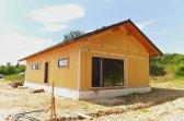 Průběh výstavby bungalovu obdélníkového tvaru v Chlumci nad Cidlinou
