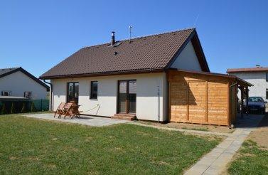 Malý bungalov 4+kk v Bezděkově nad Metují