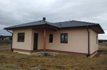 Moderní bungalov 3+1 v obci Převýšov